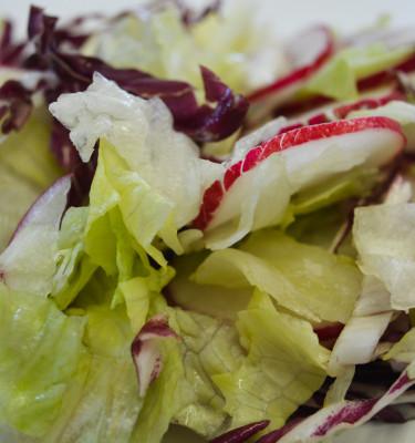Salaatti- ja raastesekoitukset